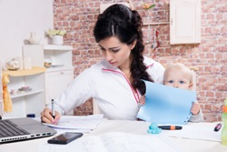 10 Usaha Sampingan Menjanjikan di Rumah Buat Ibu Rumah Tangga